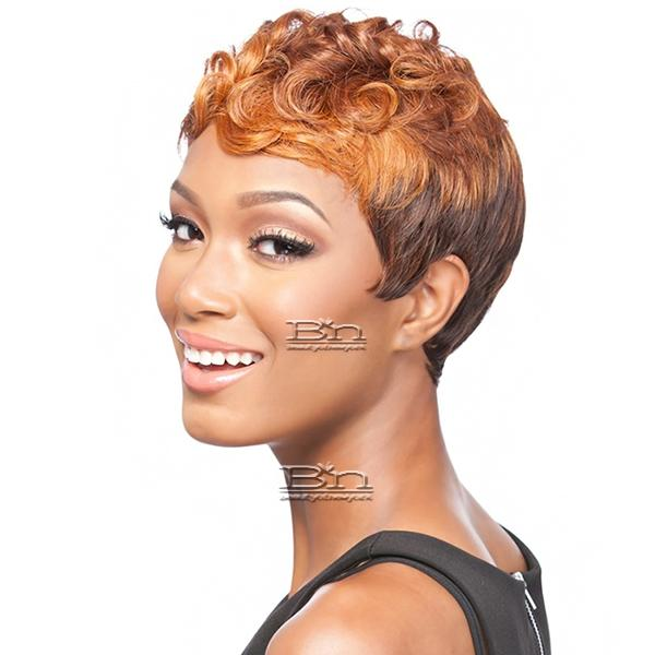 It's a wig Synthetic Wig - Q PIETTRA